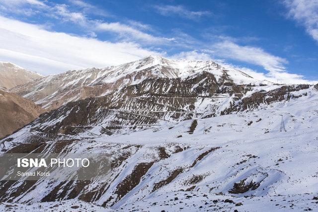 بارش برف در اکثر محورهای کردستان