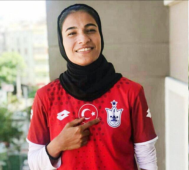 دختر فوتبالیست ایران لژیونر شد