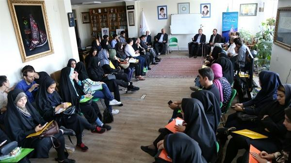 نشست نقش و تاثیر رسانه ها در گردشگری در تبریز برگزار گردید