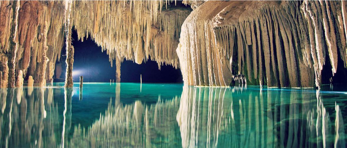 زیباترین و شگفت انگیزترین غارهای زیرزمینی جهان