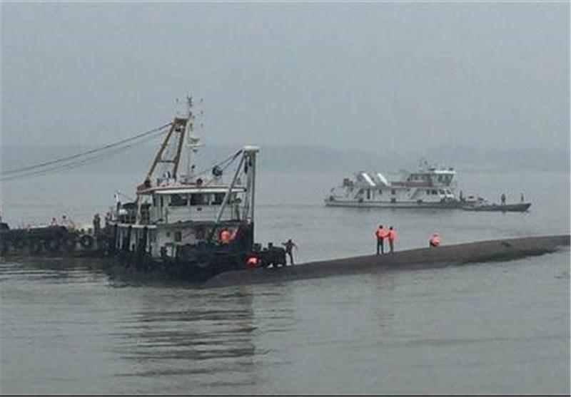 قایقی با 450 مسافر در رودخانه یانگ تسه چین غرق شد