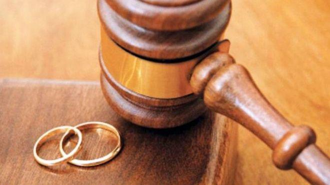 در چه صورتی زن می تواند بدون داشتن حق طلاق از شوهر خود جدا گردد؟