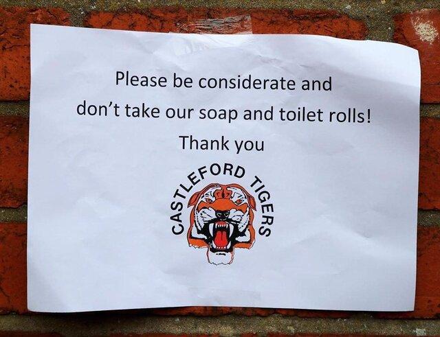 عکس روز، لطفا دستمال ها را نبرید!