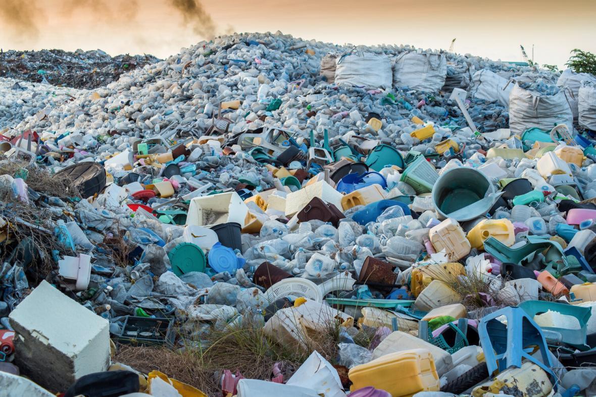 زباله ها در راه چاره جدید محققان به گرافین با ارزش تبدیل می شوند