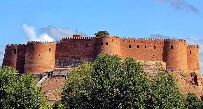 ورود به فلک الافلاک ممنوع شد، بازسازی قلعه تاریخی لرستان