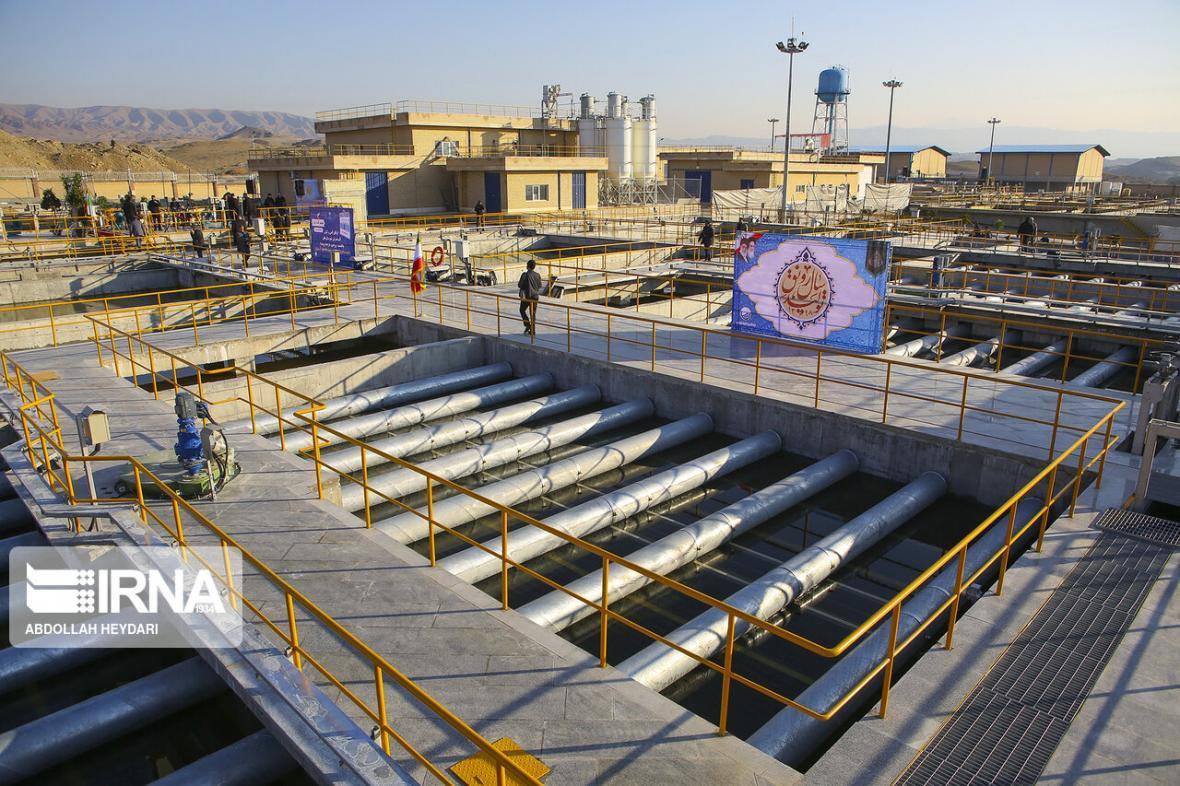 خبرنگاران تجهیز منابع اقتصادی برای صادرکنندگان و سرمایه گذاران صنعت آب و برق