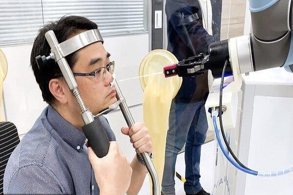 رباتی که سریع تر از انسان تست کرونا را انجام می دهد