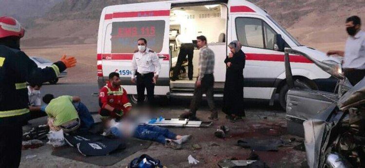 5 کشته و زخمی بر اثر برخورد پراید و کامیون بنز