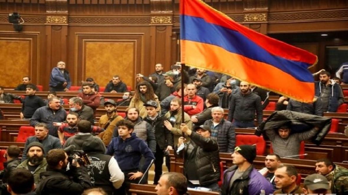 مهلت مخالفان در ارمنستان برای استعفای نخست وزیر