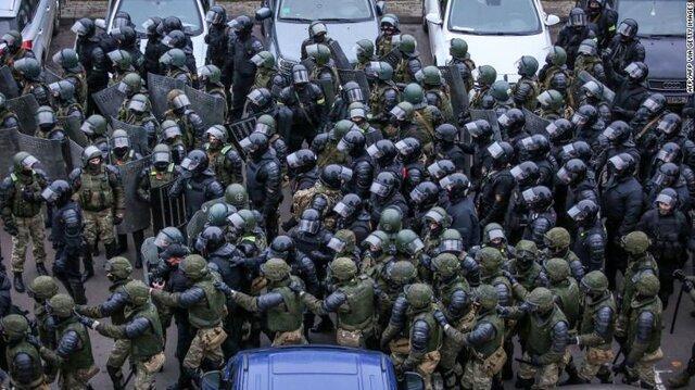 بازداشت دست کم 1000 نفراز معترضان در بلاروس