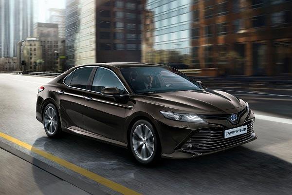 آنالیز مشخصات فنی تویوتا کمری و قیمت این خودرو