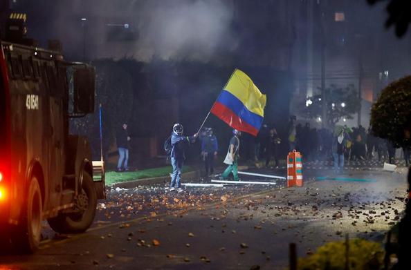8 کشته و 28 زخمی در چهارمین روز اعتراضات در کلمبیا