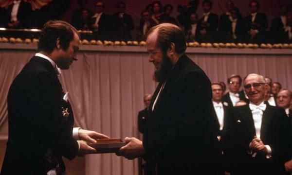 پشت پرده اعطای یک جایزه نوبل