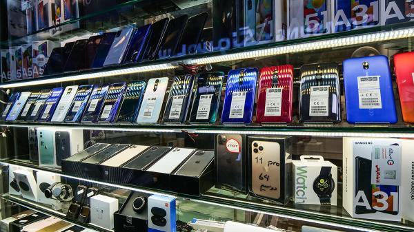 این موبایل ها را با چهار میلیون تومان خریداری کنید